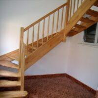 samonosne schody blede